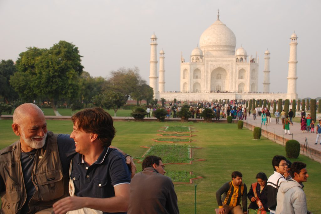 Mafra e DeRose noTaj Mahal em Agra
