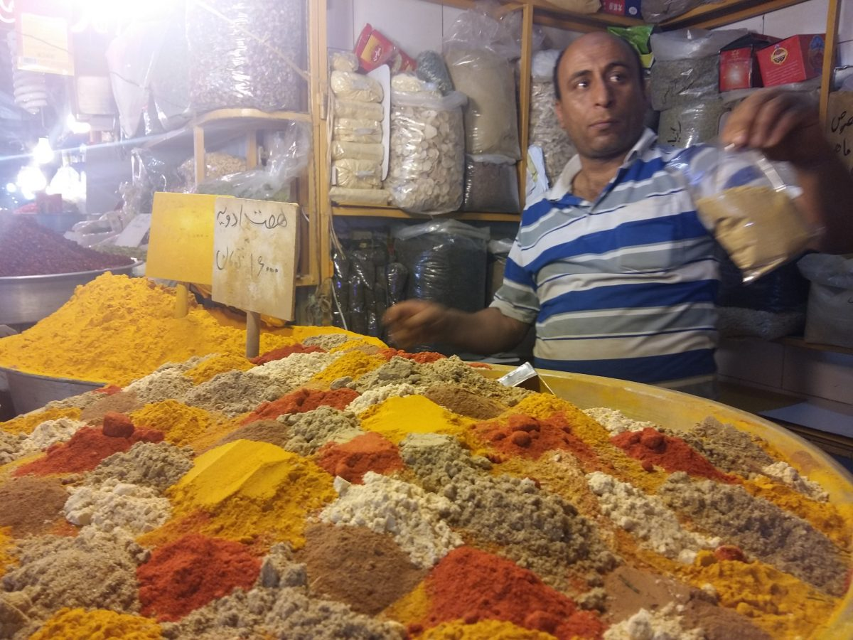 Onde comer e comprar especiarias em Isfahan